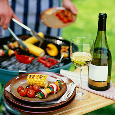 BE THE PERFECT BBQ PARTY GUEST WITH THESE WINE PAIRING TIPS