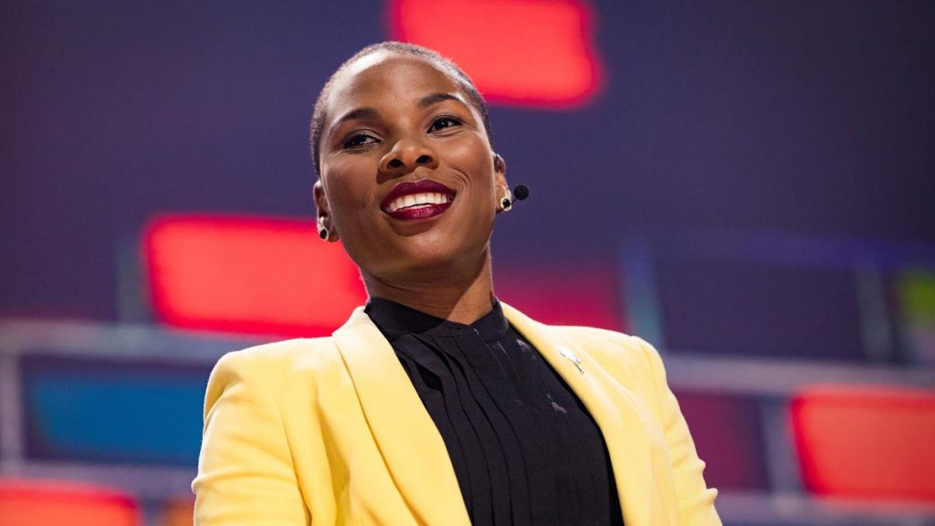 """""""COMFORT IS OVERRATED"""" LUVVIE AJAYI SPEAKS TRUTH AT THE TEDWOMEN 2017 TALK"""